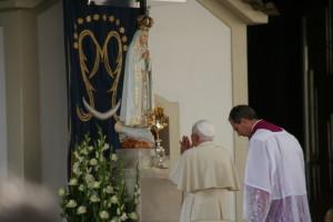 pope-fatima-2010-211